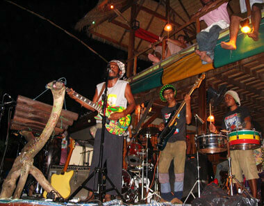 Thai Reggae music at Railay
